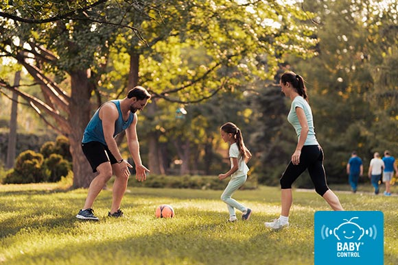 El contacto con la naturaleza y las salidas al aire libre son actividades muy beneficiosas para el desarrollo de los niños. ¡Aprovecha el buen tiempo para salir!