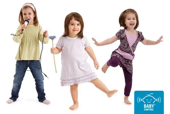 Tres niñas bailando