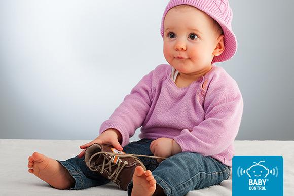 Buscar el calzado adecuado para las necesidades del niño y que favorezca un desarrollo adecuado es imprescindible: flexible, transpirable y que sujete bien.