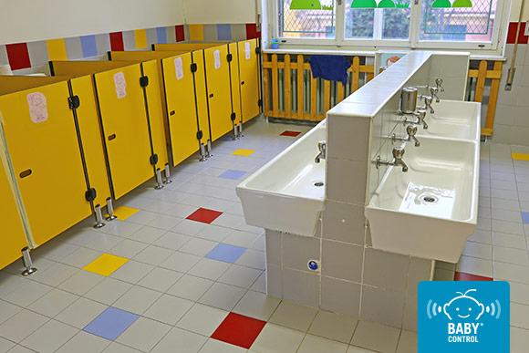 Aseos limpios de una escuela infantil